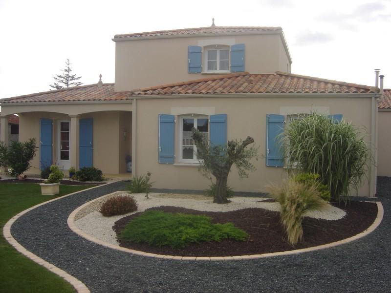 Construction de maisons individuelles for Maison a 4 pans